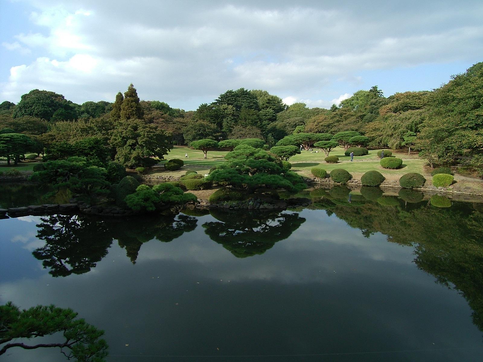 東京観光・桜の名所でパワースポット!ランチも美味しい新宿御苑の見どころ