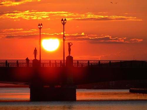 釧路 グルメ 幣舞橋